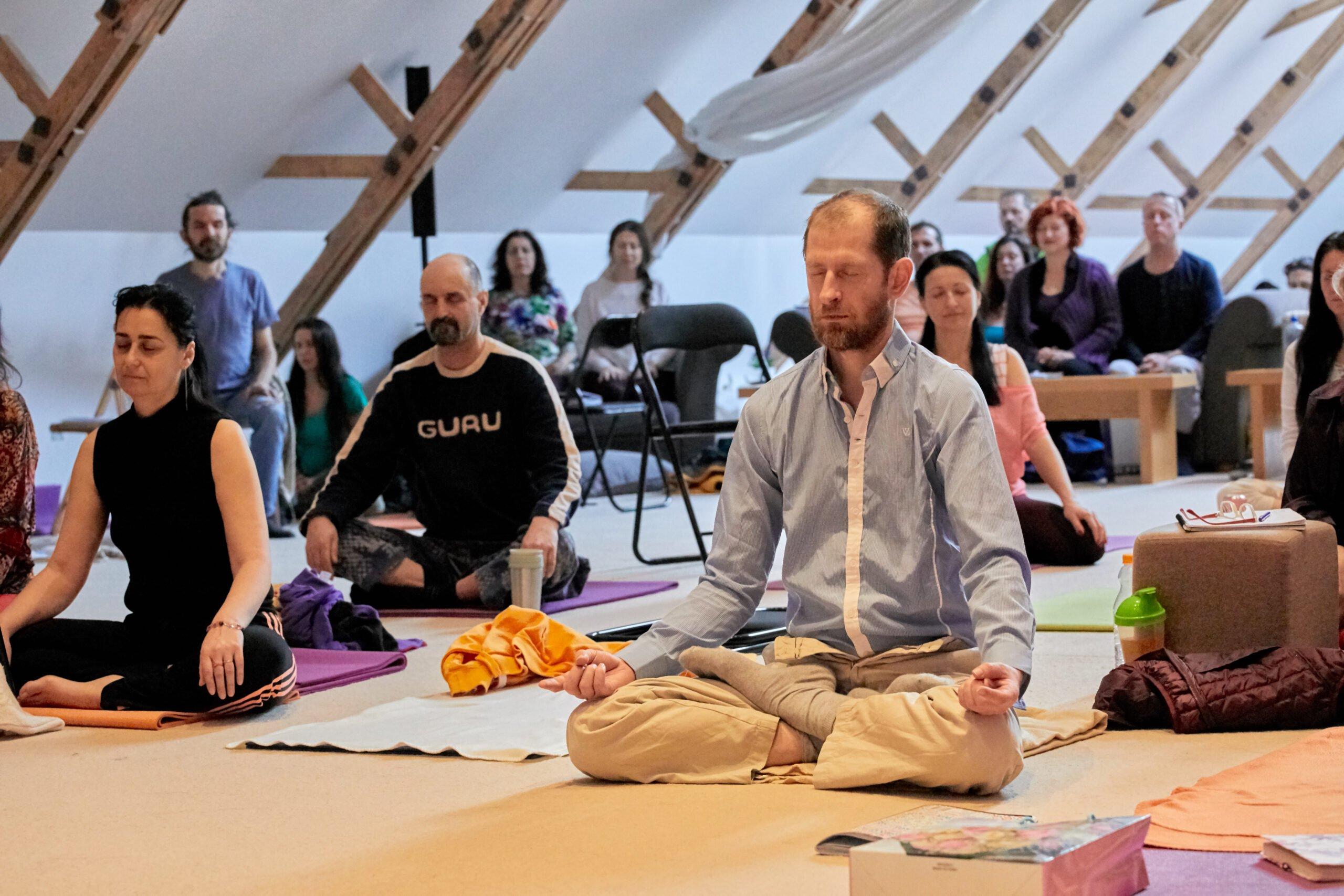 Cursuri Tantra Yoga Ezoterica - sala
